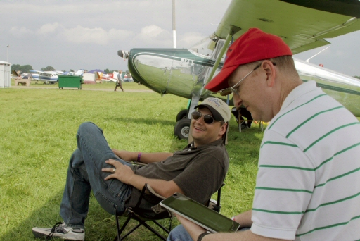 CFIStew and PilotStu sporting Scheydens under the wing of N225M